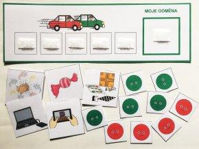 Motivační tabulka s žetony, auta